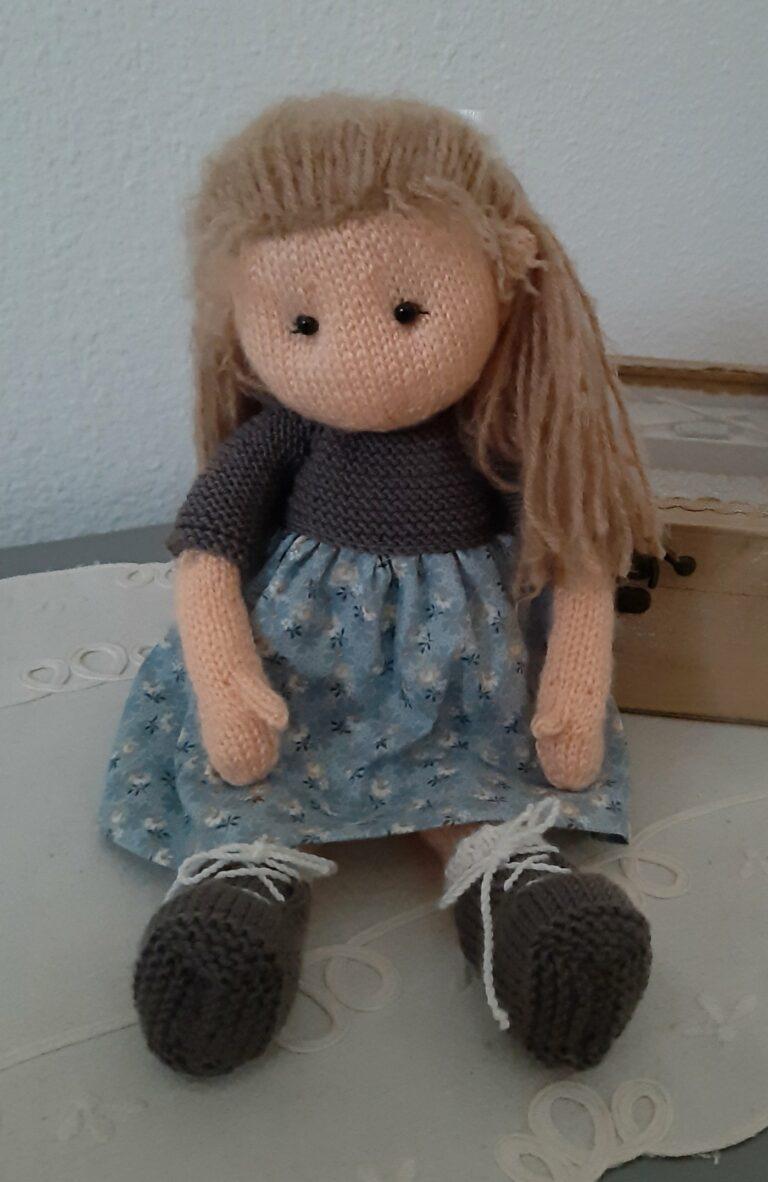 María, mi muñeca Waldorf de punto. Patrones desde 6,90 €